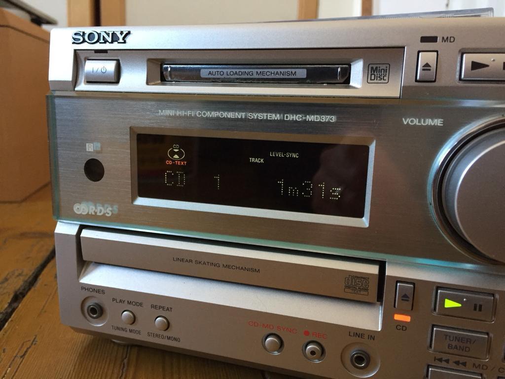 Sony Mini Stereo Hifi DHC-MD373 Mini Disc, CD, Radio