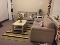 Looking for a Double Room to rent in Walsall!! Female Working professional or Student-Rent 400 PCM