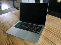 MacBook Pro 13 inch Retina 2015 - Immaculate