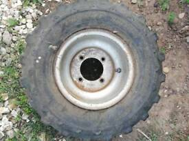 Quad wheel and tyre