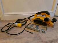 110v DeWalt Planer and Accesories