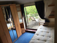 Spacious Single Room with Large Balcony/Terrace close to Croydon, Balham, Wimbledon, Sutton, Tooting