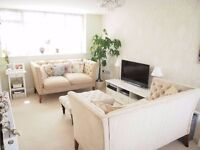 Immaculately finished (Un-Furnished) 2 Bedroom Flat To Let on Broad Street, Alresford