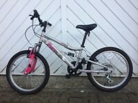 Halfords Apollo girls bike (6-11ish)