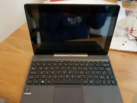 Asus laptop excellent condition.