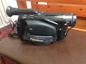 Panasonic NV-RX2B. VHS Movie camera