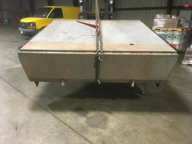 SERCO MODEL AB LOADING DOCK LEVELER VERY GOOD CONDITION