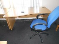 OFFICE DESKS AND CHAIRS FOR SALE £29.99