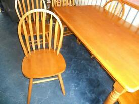 5ft x 3ft table and 6 chairs £50