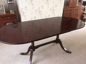 Strongbow Extendable Mahognay Dining Table and Four Chairs