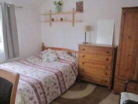 Large furnished room £500 inc(Aviation Students)