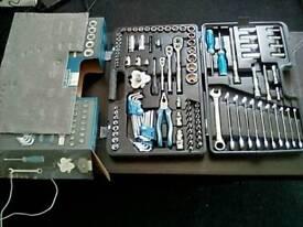Halfords advanced tool set