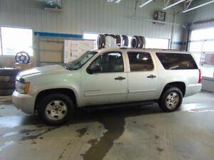2011 Chevrolet SUBURBAN 1500 4WD LS
