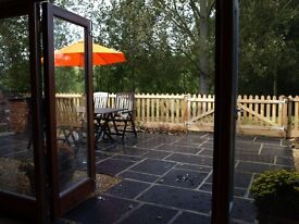 2 bed 4* gold holiday barn Norwich Norfolk - last minute this week