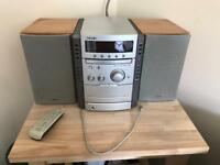 Sony Silver 5 disc Hi-Fi with 2 Speakers and FM Radio