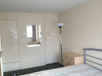 Very spacious 4 bedroom house, Guildford