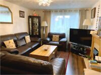 Spacious and furnished 3 bedroom property in Leith