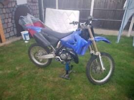 Yz 125cc motocross bike
