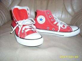 Coverse Trainers size 2 1/2