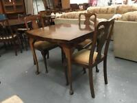 ** VINTAGE EXTENDING DINING TABLE WITH CHAIRS**