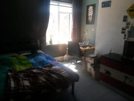 Double unfurnished room available in friendly house share in Southville