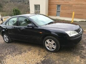 Ford Mondeo 2 litre Ghia. 2003