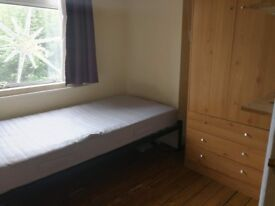 Lovely single room in Manor House 10min to the tube station