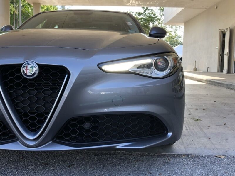 Image 11 Voiture Européenne d'occasion Alfa Romeo Giulia 2017