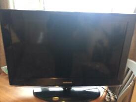 Samsung TV 32.5inch (not smart)