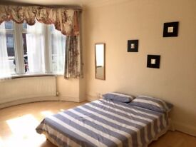 1 double & 1 single room, minute walk from tube