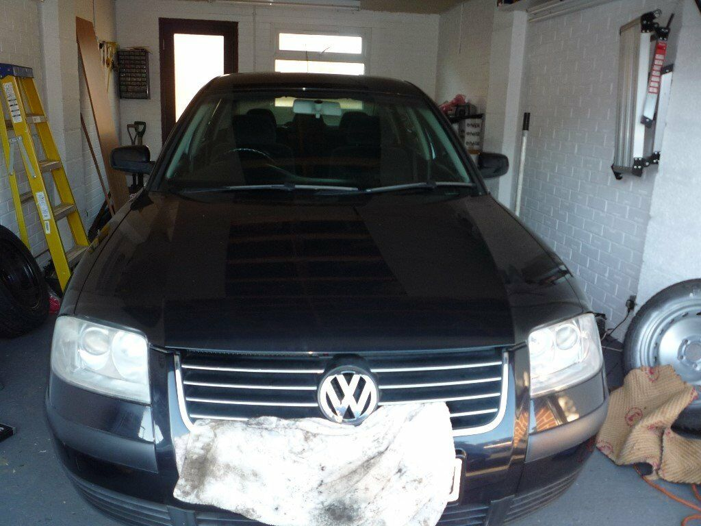 Volkswagan Passat Black 2000 Petrol Spares or Repair 4 new tyres 84.000
