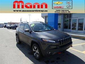 2016 Jeep Cherokee Trailhawk - 3.2L V6, NAV, Sunroof, Leather.