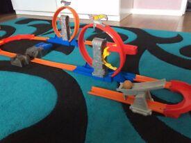Hot Wheels tracks bundle
