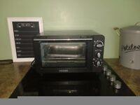 Mini plug in oven and grill