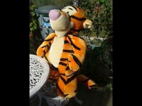 HUGE TIGGER SOFT TOY. LOTS OF SOFT TOYS FOR SALE. BEDROOM. NURSERY. COLLECTABLE