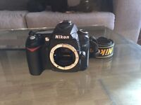 Nikon D90 DSLR with Nikkor 70-210