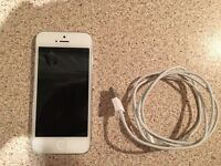 Apple iPhone 5 16GB white unlocked to any network