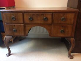 Antique kneehole writing desk/table/sideboard/dressing table/chest of drawers