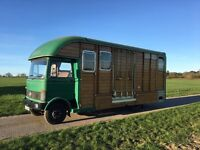 Horse box, 7.5 ton, purpose-built on Mercedes chassis, beautiful classic design, low mileage.