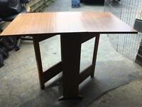 SMALLDROP LEAF TABLE