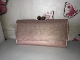 Next purse