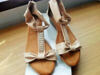 Ladies New Size 8 (41) Pretty beigy sandals