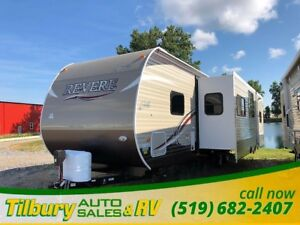 2018 Forest River SHASTA REVERE 32DS OUTSIDE KITCHEN. BUNK HOUSE