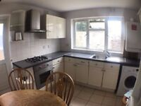*DSS WELCOME* 2 Bedroom Flat with Separate Lounge to Rent in Forest Gate E7