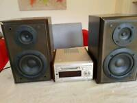 Technics mini disc player and speakers