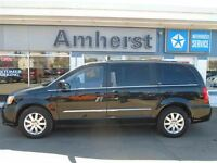 2014 Chrysler Town & Country Touring FULLY LOADED/LOW KM