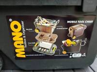Mano mobile tool chest