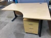 Right Corner desk without drawers
