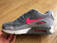 Nike air max size 5 almost new condition