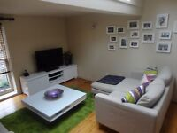 AmAzInG 2 Bedroom + Box Room Mews Property - Free WiFi